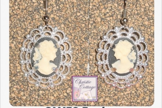 Lavely Cameo Dangle Earrings